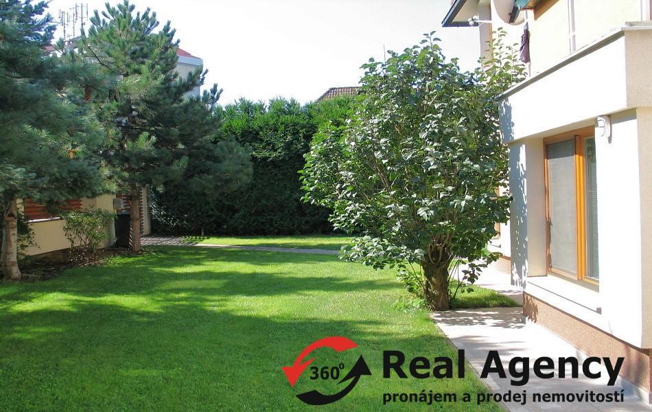 Prodej rodinného domu 340 m², pozemek 539 m²
