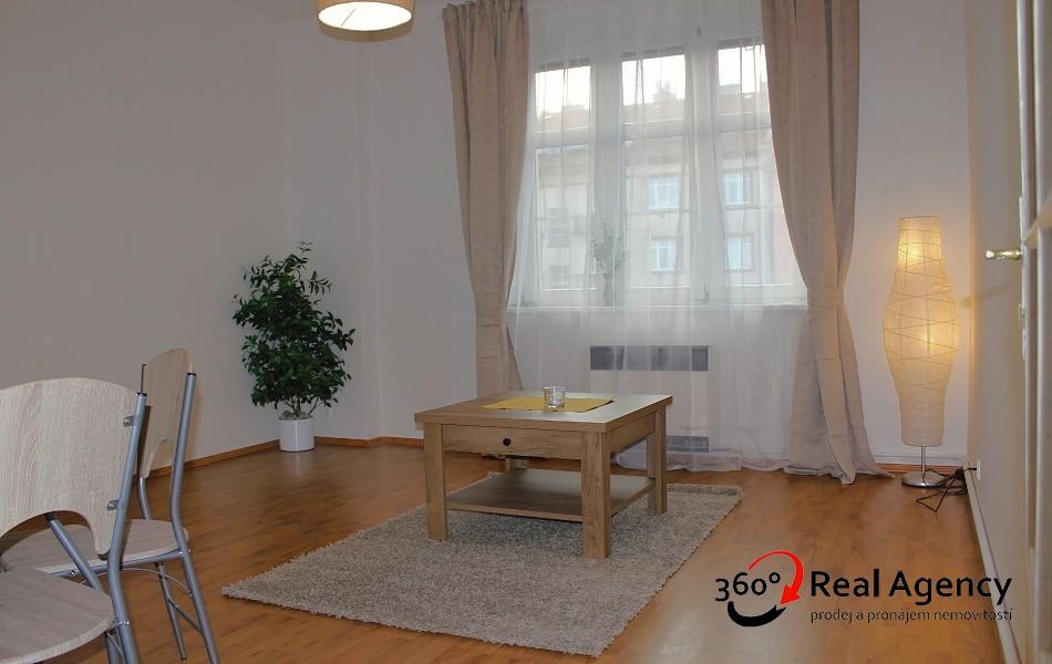 2+kk, byt na pronájem v blízkosti metra Vyšehrad a Pražského povstání.