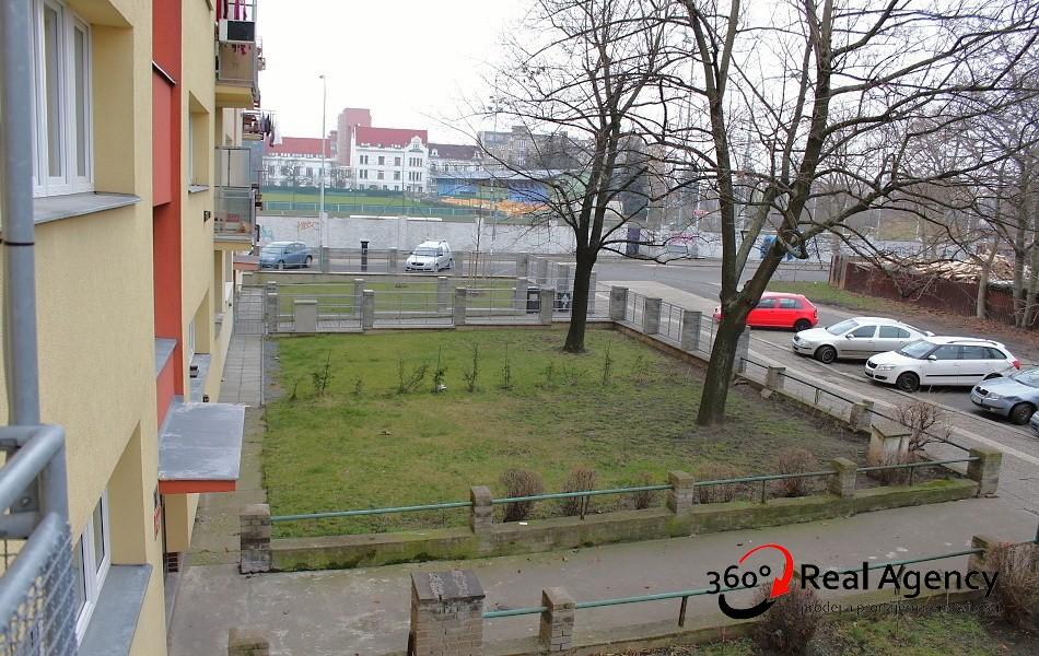 2+kk/balkon/sklep 52m2, OV – lze Hypotéka, kousek od metra Nádraží Holešovice.