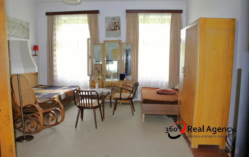 Skvělá investice, prodej domu/ Chalupy 500m2, na pozemku 7352m2.