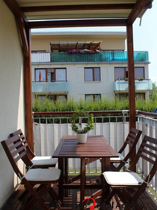 2+kk/Balkon, 67m2, garážové stání, OV, Praha 10 Štěrboholy.