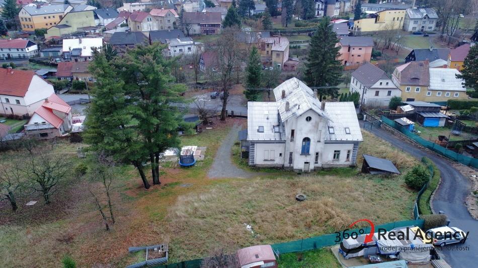 Prodej prvorepublikové Vily, 360m2, Cvikov u Nového Boru.