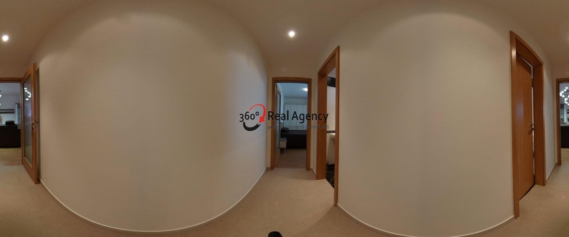 Pronájem bytu 2+kk 95 m², Terasa, parkovací místo přímo v domě.