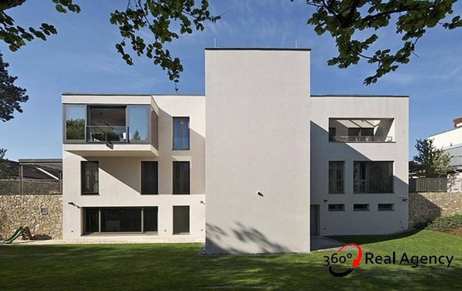 Prodej bytu 4+1 155 m² ulice Hlubočepská, Praha.