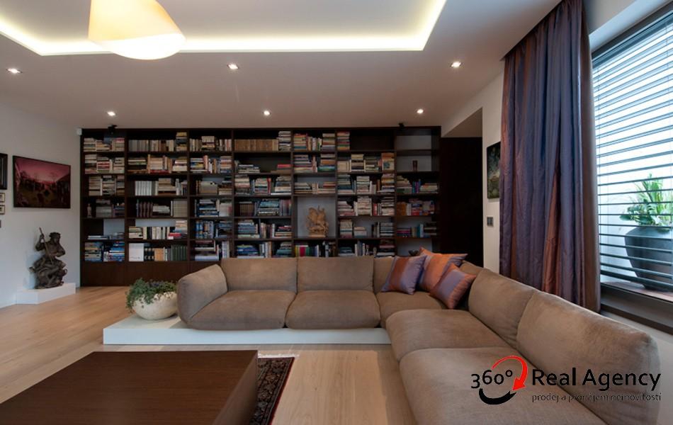 Prodej bytu 4+1 248 m² ulice Hlubočepská, Praha.