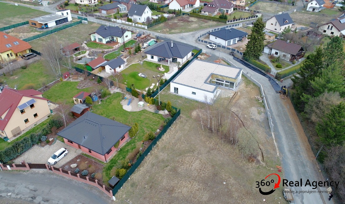 Prodej rodinného domu 272 m², pozemek 1 211 m² ulice Sluneční, Louňovice.