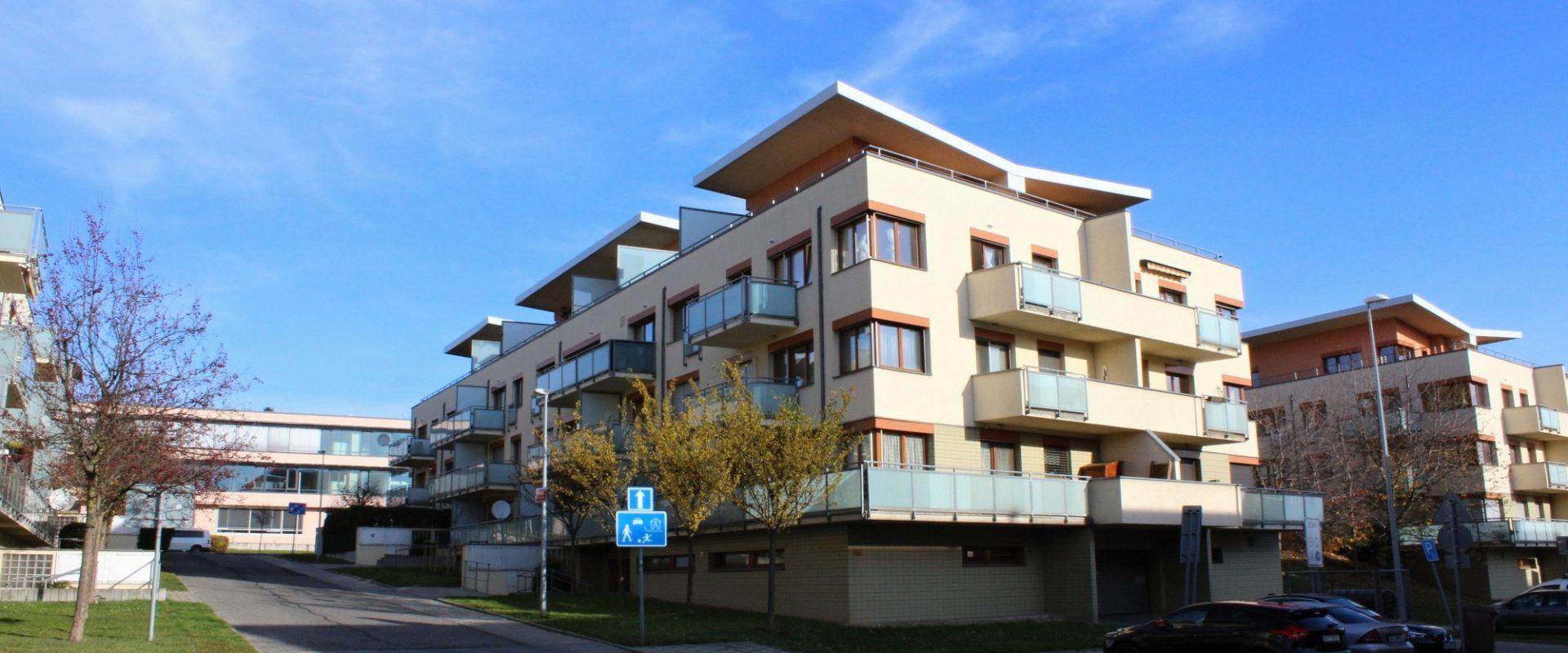 Prodej bytu 2+kk/balkon 82 m², OV.