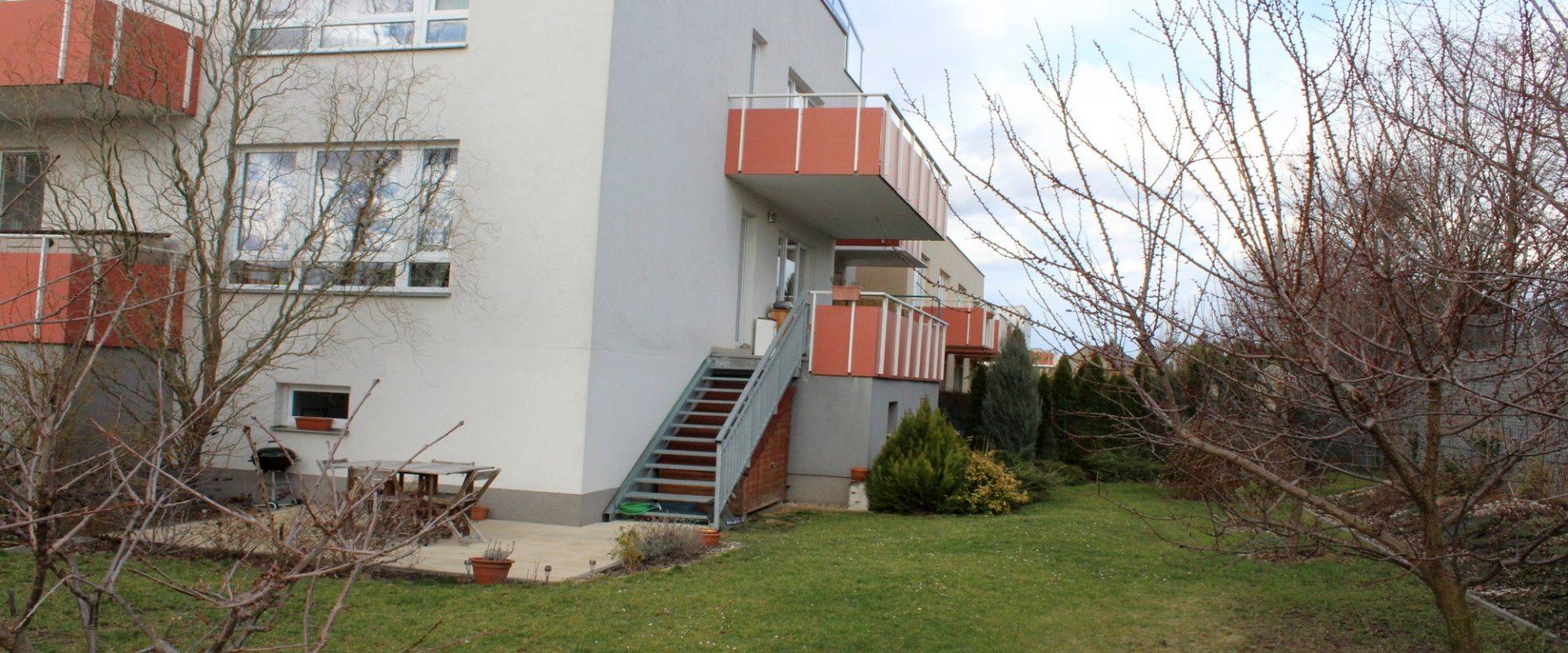 Byt, OV, 2+kk/Terasa a prostorná zahrada 269 m2, Praha – Uhříněves.