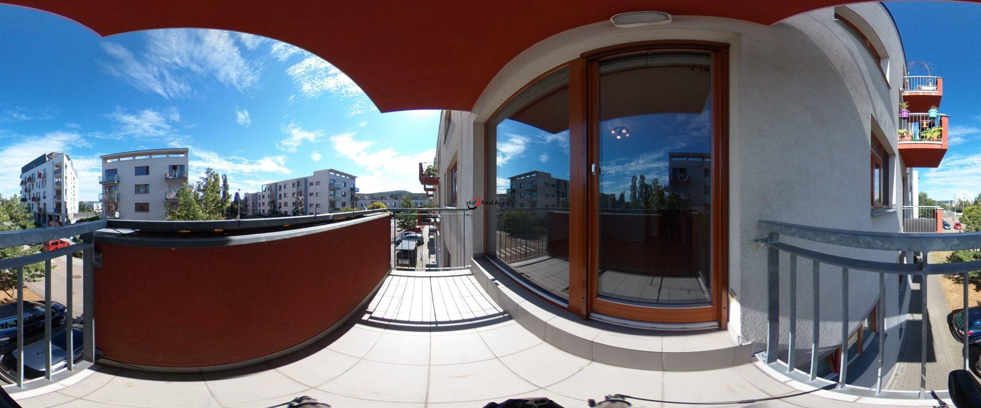 3+kk/2xB/99m2, garážové stání,  skvělá Lokalita, Praha Zbraslav.