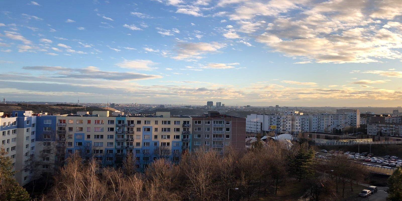 Pronájem bytu 3+1 80 m²/Lodžie, Hlubočepy.